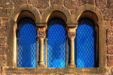 Bild mit Architektur, Gebäude, Klöster, Fenster, Haus
