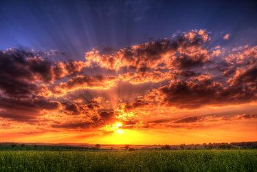 Bild mit Frühling, Sonnenuntergang, Sonnenaufgang, Sonne, Feld, Felder, Mansfeld Südharz, frühjahr, Sonnenstrahlen, Weide, Weiden