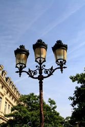 Bild mit Architektur, Frankreich, Sehenswürdigkeit, romantik, City, Sehenswürdigkeiten, Paris, Laterne, Laternen, Straße, Stadtleben, Grossstadt, Pariser, Paris pompös