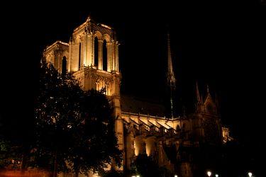 Bild mit Architektur, Frankreich, Sehenswürdigkeit, romantik, Kirche, City, Sehenswürdigkeiten, Paris, Notre Dame, Kathedrale, Kirchengebäude, Straße, Stadtleben, Grossstadt, Pariser, Paris pompös