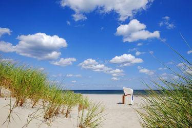 Bild mit Grün, Himmel, Wolken, Weiß, Strände, Sand, Urlaub, Blau, Sonne, Strand, Meer, Meer, Dünen, Sonnenschein, Wärme, Ostseeküste, Azur, Alleinlage, Türkisblau