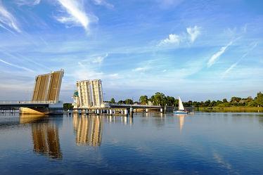 Bild mit Urlaub, Schiffe, Brücken, Ostsee, Schiff, Meer, Boote, Schifffahrt