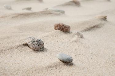Bild mit Gelb, Strände, Strand, Sandstrand, Steine, Steine, Makro, nahaufnahme, Kiesel, Abtragung, Verwehungen, Sandfarbe, Mineralien