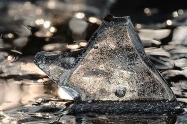 Bild mit Wasser, Winter, Eis, Kälte, Frost, Tauwetter, Eisschollen, Skulptur