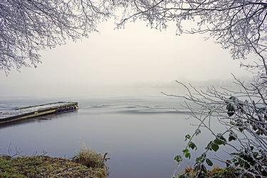 Bild mit Wasser, Nebel, Schilf, Licht, Ruhe, Stille, Erholung, Ausspannen, Idylle, reet, Schatten, Schleswig, Holstein, Borgdorf, Borgdorfer_See