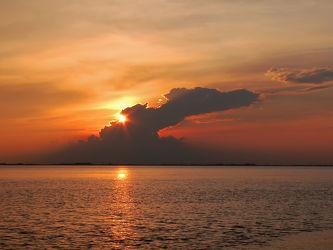 Bild mit Himmel, Wolken, Sonnenuntergang, Meer, Dollart, Ems, gebilde