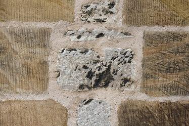 Bild mit Steine, rustikal, Gemäuer, Mauerwerk, Hildesheim, Moritzberg, Christuskirche, Fugen, Steinblöcke
