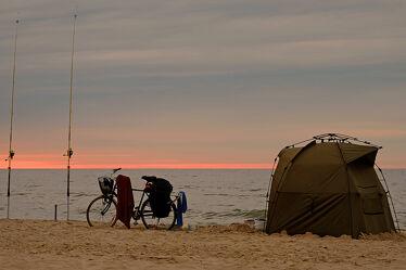 Bild mit Urlaub, Reisen, Erholung, Ernährung, Ausspannen, Fischfang, camping, Allein, Fahrradtour, Angeln