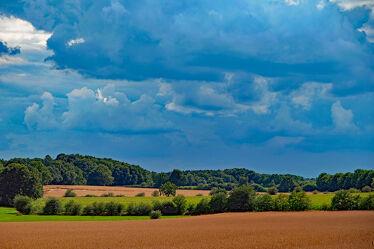 Bild mit Himmel, Sommer, Landschaft, Felder, Gewitter, Sonnenlicht