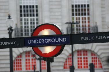 London Subway Sign1