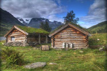Bild mit Natur, Berge, Hügel, Hütten, Alm, Wiese, berg, Wiesen, Weide, Weiden, Gebirge, Hütte