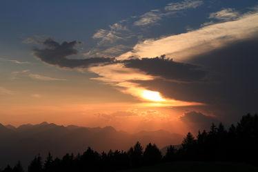 Bild mit Natur, Berge und Hügel, Berge, Hügel, Sonnenuntergang, Sonnenaufgang, Nebel, Sonne, Sonnenuntergänge, berg, sun