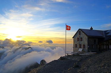 Bild mit Berge, Wolken, Gletscher, Sonnenuntergang, Sonnenaufgang, Nebel, Alpen, Sonnenuntergänge, berg, Gebirge, Nebelwolken, Gipfel