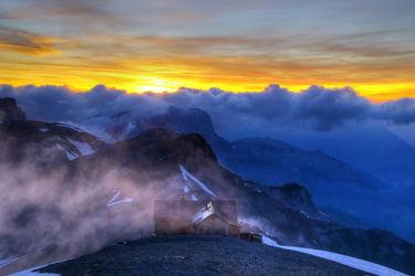 Bild mit Berge,Gletscher,Sonnenuntergang,Sonnenaufgang,Nebel,Alpen,Sonnenuntergänge,berg,Gebirge