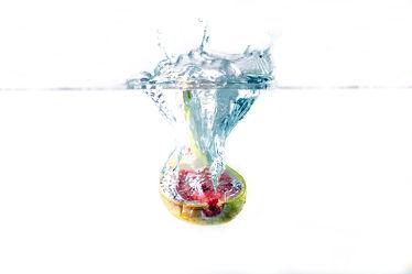 Bild mit Wasser, Früchte, Essen, Unterwasser, Zitrusfrüchte, Frucht, Obst, GESUND, frisch, fruchtig, water, h2o, Vitamine, Ernährung, Feige, Feigen, gerhard albicker, Küche