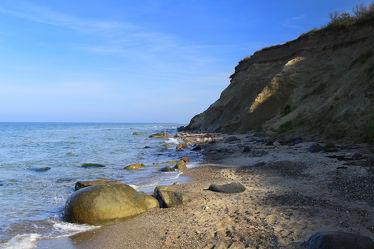 Bild mit Gewässer, Felsen, Strand, Ostsee, Meer, Küste, Am Strand