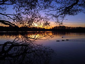 Bild mit Natur, Wasser, Landschaften, Gewässer, Seen, Sonnenuntergang, Sonnenaufgang, Landschaft, See, Teich
