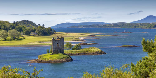 Bild mit Gebäude, Haus, Landschaft, See, ruine, Castle, historisches Gebäude, burgruine, Castle Stalker, Loch Linnhe