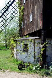 Alte Mühle mit Dreirad