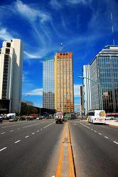 Bild mit Gebäude,Städte,Häuser,Haus,Stadt,Skylines & Hochhäuser,City,Skyline,hochhaus,wolkenkratzer,Hochhäuser,Stadtleben
