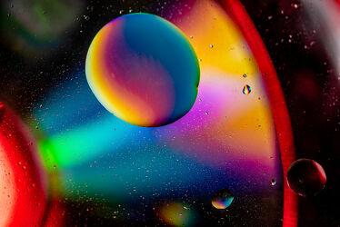 Bild mit Farben, Kunst, Wasser, Makro, Licht, Perspektive, Objekte, Stillleben, Fantasie, nahaufnahme, Schatten, öl, Kugeln, kreise, Motive, Spektralfarben, Studioaufnahme, Emulsion