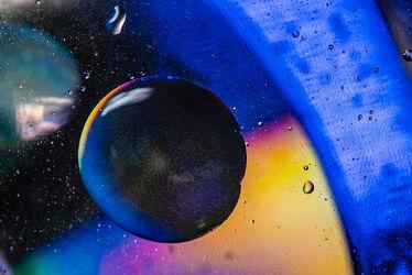 Bild mit Farben, Kunst, Wasser, Makro, Licht, Perspektive, Objekte, Stillleben, Fantasie, Farbenspiel, nahaufnahme, Schatten, öl, Kugeln, Farbenpracht, kreise, Motive, Spektralfarben, Studioaufnahme, Emulsion