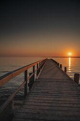 Bild mit Wasser, Brandung, Wellen, Sonnenaufgang, Strand, Ostsee, Meer, Steg, weite, Ferne
