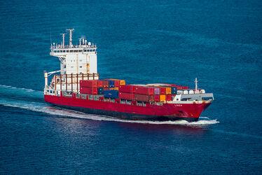 Bild mit Wasser, Wellen, Sommer, Transport, Sonne, Ostsee, Licht, Wind, Container, Frachtschiff