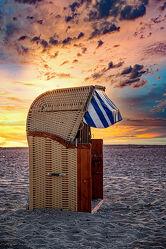 Bild mit Sand, Urlaub, Strand, Ostsee, Strandkorb, Ferien, Entspannung, Küste, Ufer, Schleswig