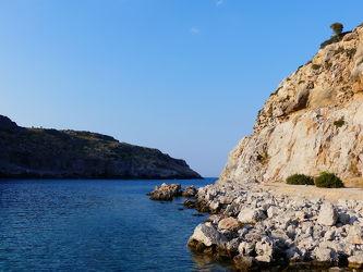 Bild mit Felsen, Meere, Mittelmeer, Blauer Himmel, Küste, Griechenland, Bucht