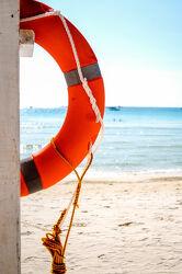 Bild mit Strand, Ferien, Rettungsring