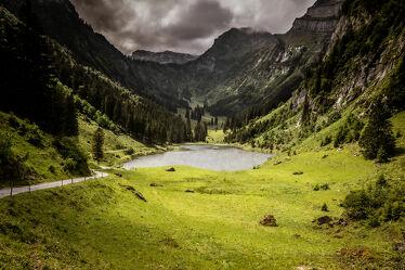 Bild mit Berge und Hügel, Seeblick, Bergsee, Wanderungen