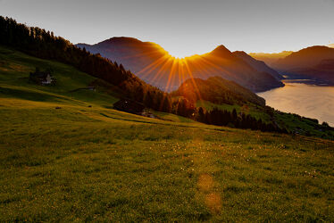 Bild mit Sonnenuntergang, Sonnenaufgang, Landschaft, landscape, Landschaftspanorama, Sonnenuntergang/Sonnenaufgang, Sonnenstrahlen