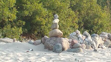 Bild mit Sand, Sandstrand, Ostsee, Meer, Steine, Nordsee, Skulptur