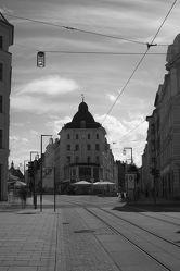 Bild mit Städte, Stadt, Stadt Görlitz, Görlitz, Görlitz und Umgebung, City, schwarz weiß, Stadtleben, Berliner Straße