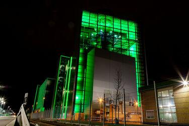 Bild mit Langzeitbelichtung, Nachtaufnahme, Industriegebiet, Kraftwerk, Düsseldorf