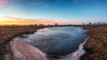 Bild mit Winter, Sonnenaufgang, Morgenrot, Panorama, Landschaft, Frost, Lichtstimmung, Hammeniederung, Teufelsmoor, Osterholz Scharmbeck