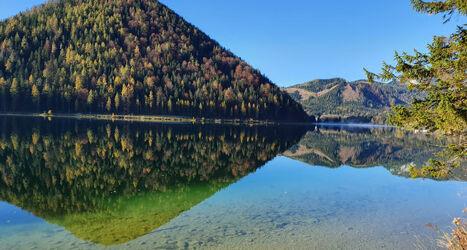 Bild mit Wasser, Berge und Hügel, Seeblick, Bergsee, See, Bergwelten