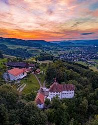 Bild mit Abendrot, Schloss, Wolkenhimmel, Luftaufnahme, Drohnen