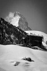 Bild mit Landschaften, Berge, Winter, Ferien, monochrom, Berggipfel, Gipfel, schweizeralpen, Chalet, Matterhorn