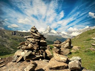 Bild mit Natur, Berge, Landschaft, Sehenswürdigkeit, gestapelte Steine, Reisefotografie, Reise, Wandern, Matterhorn, Zermatt
