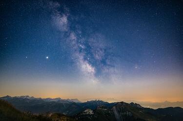 Bild mit Berge, Himmel, Sommer, Alpen, Panorama, Nacht, warm, Milchstraße, Planeten, Galaxy
