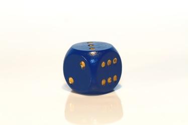 Bild mit Farben, Gegenstände, Weiß, Blau, Blau, Spiele und Spielzeuge, Würfel, Spielwürfel, Glückswürfel, Würfelspiel, 6er Würfel, Spiel