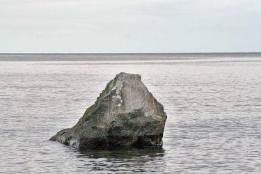 Bild mit Natur,Wasser,Gewässer,Küsten und Ufer,Felsen,Meere,Brandung,Wellen,Inseln,Fels