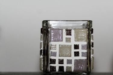 Bild mit Gegenstände, Materialien, Glas