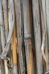 Bild mit Materialien, Holz, Bambus