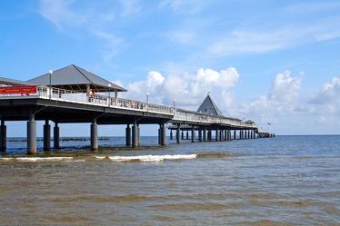 Seebrücke ins Meer