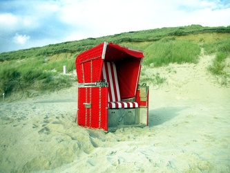 Roter Strandkorb